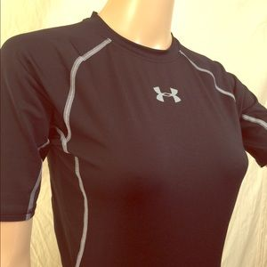 Black Under Armour Shirt S Fitted Short Sleeve.